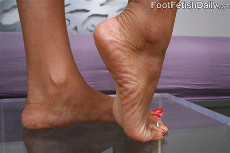 Marie Luv Footjob