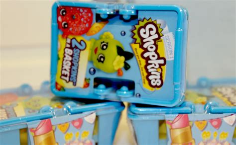 cuisine toys r us shopkins 2 pack baskets season 1 miniature food