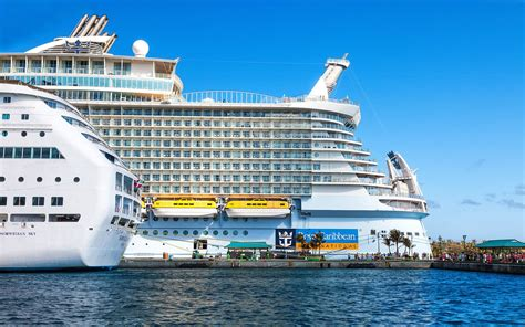Biggest Passenger Ships In The World by World S Biggest Cruises Ship Completes First Trial