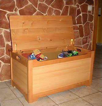 plan coffre a jouet en bois r 233 aliser un coffre 224 jouets en bois bois