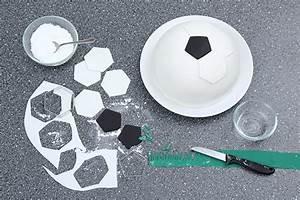Backen zur EM: Einfache Fußball Torte