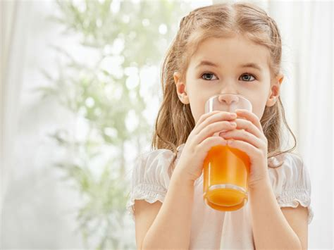 Why We Should Not Be Giving Kids Juice