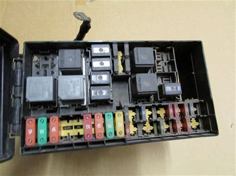 Ford Focu Fuse Box by 2005 2006 2007 Ford Focus Oem Fuse Relay Box Chech