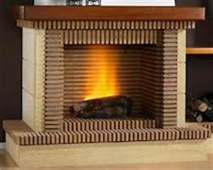 Cheminée En Brique : une chemin e en briques r fractaires pour conserver la chaleur ~ Farleysfitness.com Idées de Décoration