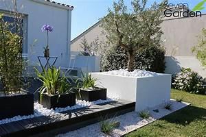 8 conseils pour une terrasse melant contemporain et With deco de jardin avec caillou 8 pinterest 9 idees pour mettre de lanthracite dans le jardin