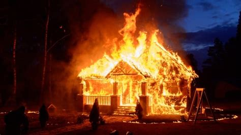 Rise in fast-burning house fires heats up calls for ...