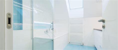 Kleines Bad Lösungen by Kleines Bad Dachschr 228 Diese Duschen L 246 Sen 5 Platz