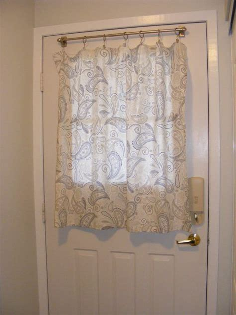 Best 25  Half window curtains ideas on Pinterest   Cafe