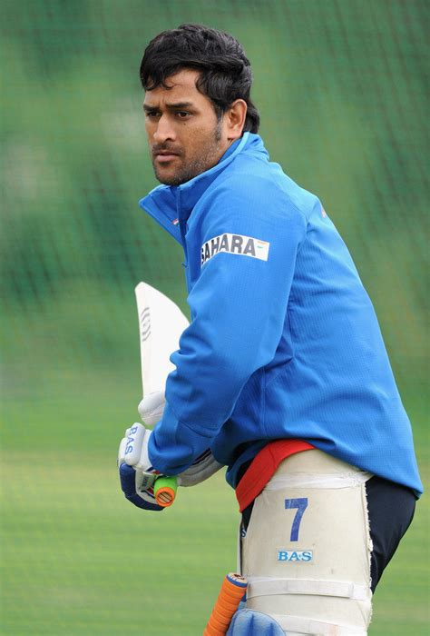 mahendra singh dhoni latest  wallpapers downloads
