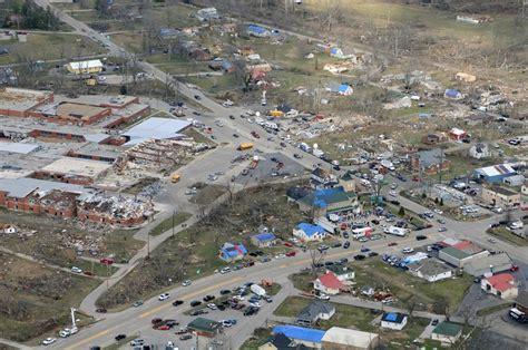 File:Henryville, Indiana March 2, 2012 tornado damage.jpg ...