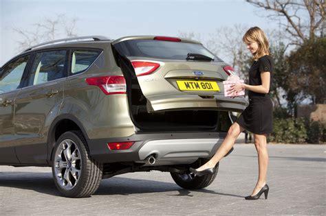 nuova ford kuga scheda tecnica  listino prezzi