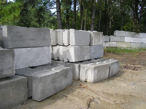 concrete block retaining wall basics on concrete and cinder block walls