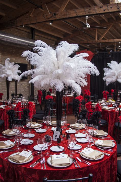 Loved These Ostrich Feather Centerpieces Thesed Be
