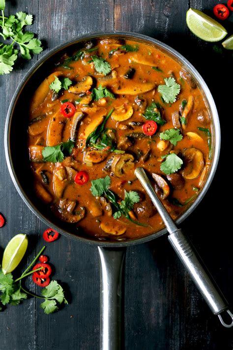 mushroom curry  spinach chickpeas   food blog