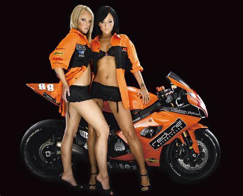 Girls With Honda Bikes Wallpapers
