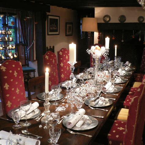 table setting for christmas 50 stunning christmas table settings style estate