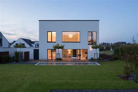 jak pomalowac zewnetrzna fasade domu