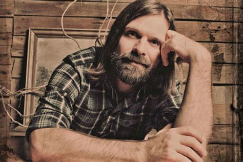 Third Day's Mac Powell Enjoying Solo Country Career