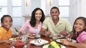 18 Family Dinner Conversation Starters