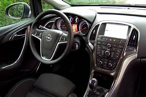 Opel Astra J Sports Tourer 1 4 Turbo : test opel astra sports tourer 1 4 turbo sport rijtesten ~ Kayakingforconservation.com Haus und Dekorationen