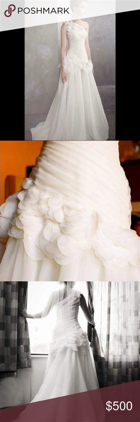 White By Vera Wang Wedding Gown Preserved 👰🏻💐💒 One