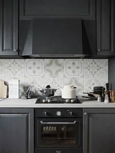 Cuisine Carreau De Ciment : cuisine noire mat et cuisine noire et blanche 48 inspirations ~ Melissatoandfro.com Idées de Décoration