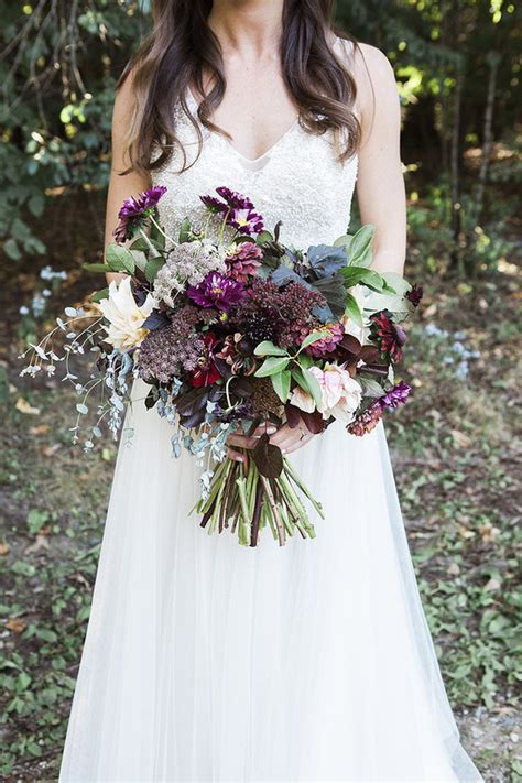 fall bridal bouquet wedding party ideas  layer cake