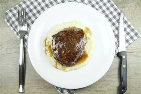 cuisiner tournedos tournedos de bison et purée de céleri une recette de viande viandes de noël