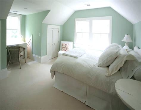choosing green bedroom  refresh  minds  house