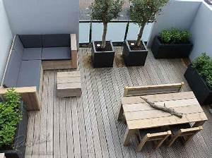 Du bois pour amenager une terrasse d39appartement for Amazing decoration pour mur exterieur de jardin 5 6 decorations de terrasse abritees par de la verdure