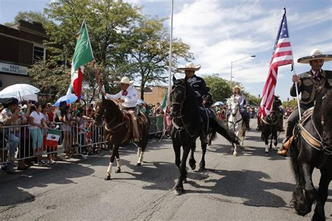 Mexican Independence Day Parade in Cicero at W Cermak Rd ...