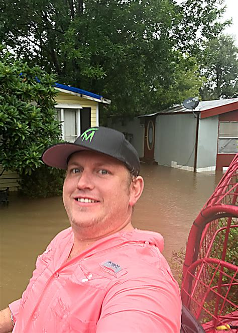 Texas Business Owner Leaves Work To Rescue Over 200 Harvey ...