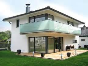 balkon aus glas balkongeländer alu glas