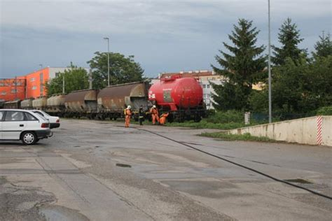 Per Raumluftanalyse Schadstoffe Identifizieren by Freiwillige Feuerwehr Krems Donau 220 Bung Austritt Eines