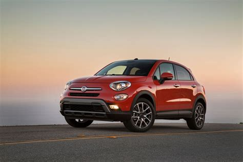 Jeep And Fiat by Comparison Fiat 500x 2016 Vs Jeep Renegade Limited