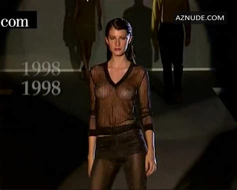 Gisele Bundchen Without Bra On The Runway At Alexander