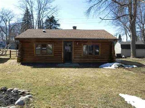 foreclosed cottages michigan 117 guernsey ave houghton lake michigan 48629 reo home