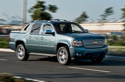 Chevrolet Avalanche 2020 by 2020 Chevy Avalanche Rumors Design Return Truck Release