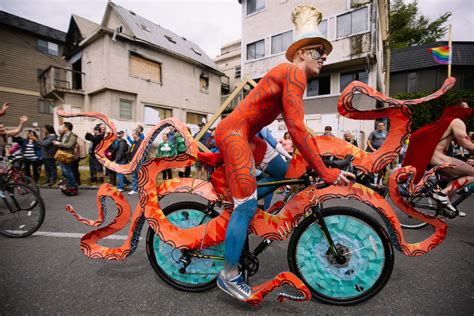 Naked Bike Riders Kick Off Quirky Fremont Solstice
