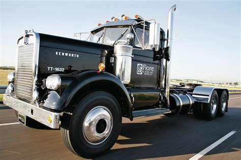antique kenworth trucks 301 moved permanently