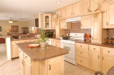 Images Of Kitchens With Maple Cabinets by Maple Kitchen Pennflex Hr170 Bayshore Homes Inc