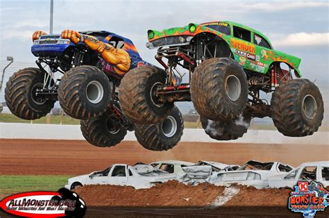 monster trucks videos 2013 monster truck photos back to monster truck bash
