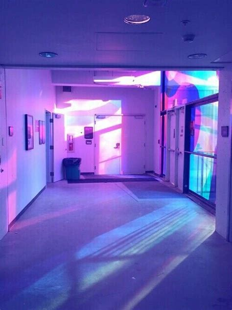 neon chambre grunge room and purple image vaporwave