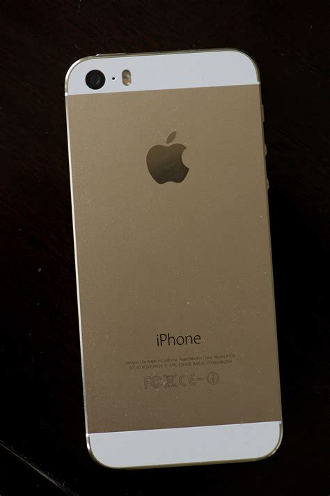 iphone 5s 7 tips for gold iphone 5s buyers