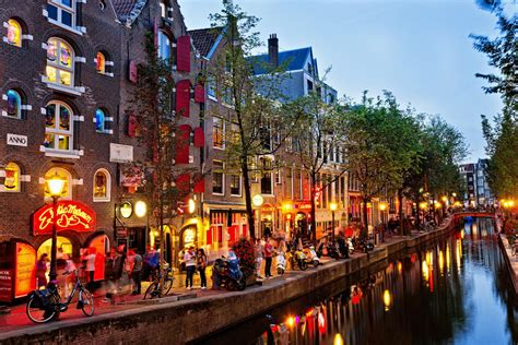 12 Of The Best Bars In Amsterdam
