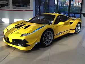 Ferrari 488 Challenge : dream car spotter ferrari 488 challenge race car 2017 ~ Medecine-chirurgie-esthetiques.com Avis de Voitures