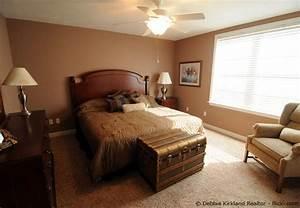 Welche wandfarbe im schlafzimmer streichen wohnen for Wandfarbe im schlafzimmer