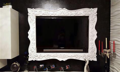 Tv Con Cornice by Cornici