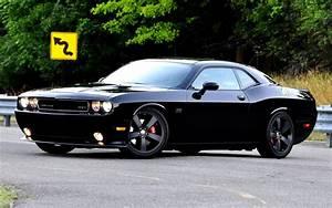 Dodge Challenger Srt8 : chrysler ceo auctions customized dodge challenger srt8 for charity ~ Medecine-chirurgie-esthetiques.com Avis de Voitures