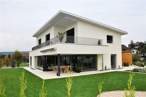 Moderne Häuser Balkon by Balkon Gel 228 Nder Efh Suche Balkon Haus